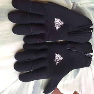 DEEP SEE 100% NYLON RUBBER FILLED LINING GLOVES M